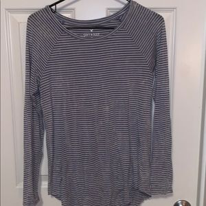 Long sleeve gray and white